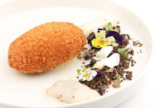 La Patata^ nel suo orto con Scampi^, pecorino siciliano e tartufo di Norcia