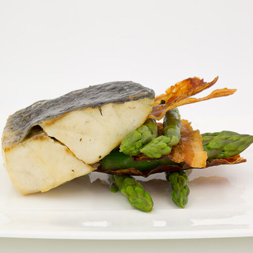 Corvina di lenza cotta in lastra di sale