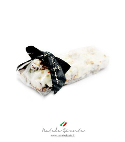 Torrone siciliano con cioccolato bianco